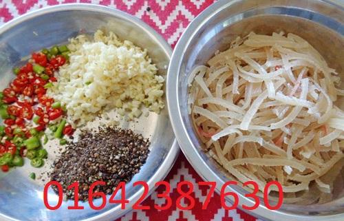 Nguyen_lieu_lam_nem_chua